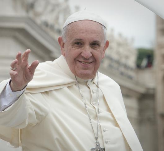 Met belangeloosheid en liefde, paus Franciscus over pater Frans