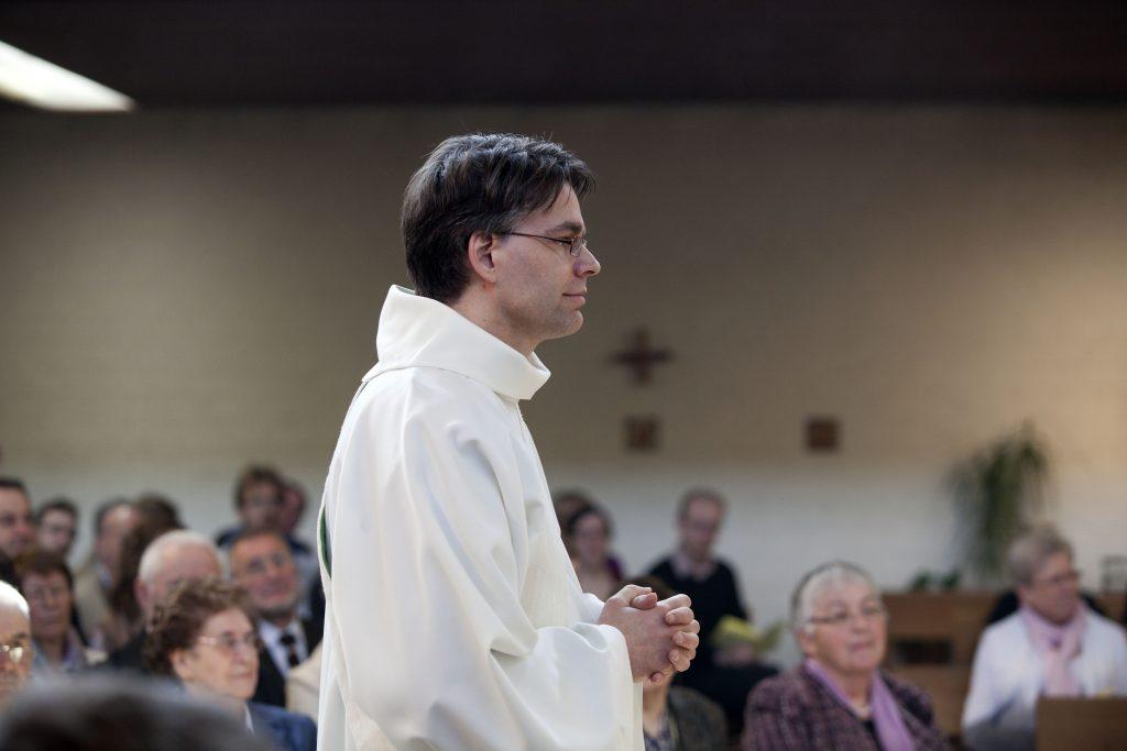 Priesterwijding Walter Ceyssens sj 2