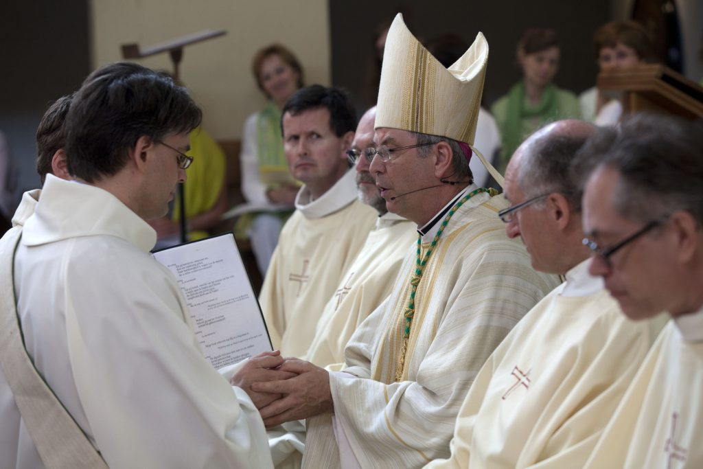 Priesterwijding Walter Ceyssens sj 4