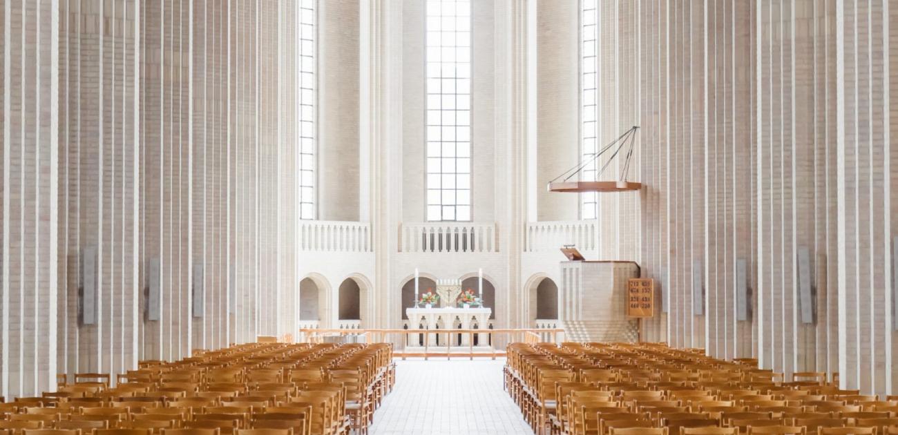 Publieke viering van de eucharistie: wat staat er op het spel? 1