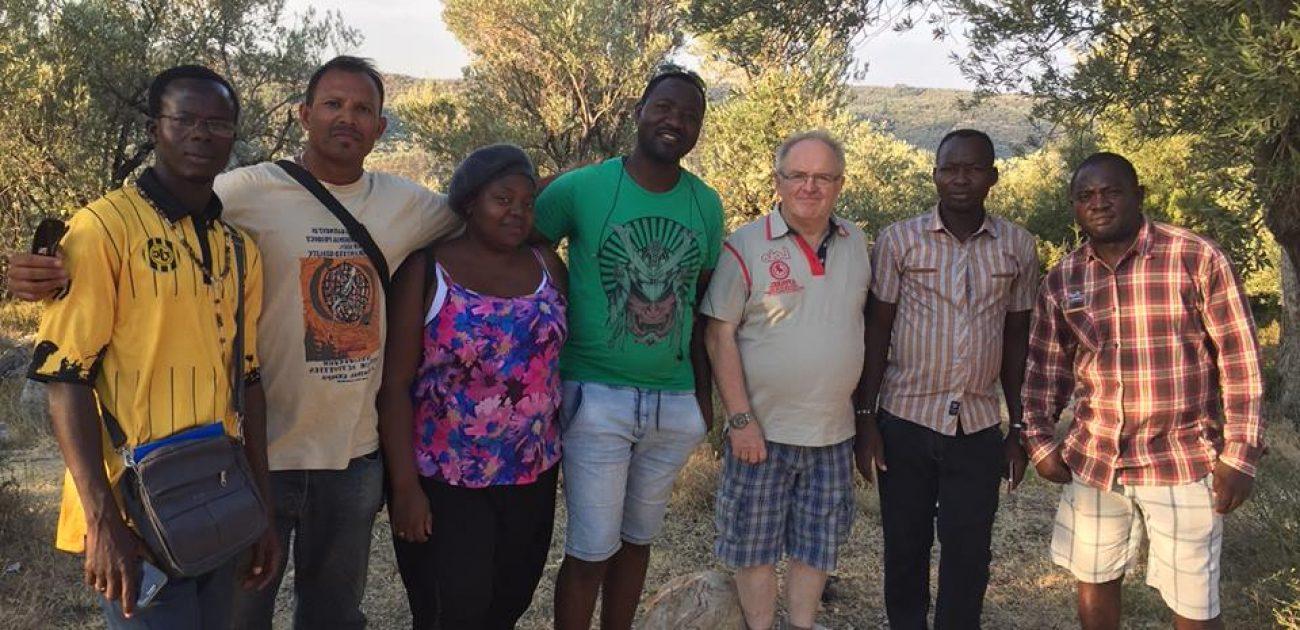 Tonny Cornoedus sj op de radio over situatie op Lesbos
